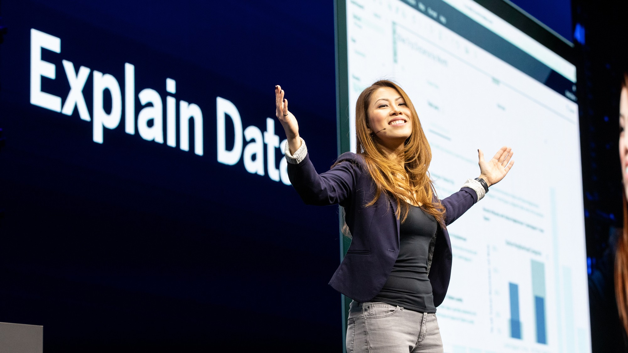 Dev manager Samantha demos Explain Data and Ask Data from Tableau on stage at TC19